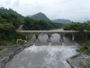 Vagabondages hors de PULI et le pont japonais Nuomi